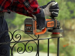 Black and Decker - 18V Haakse slijper op accu naakt - BCG720N